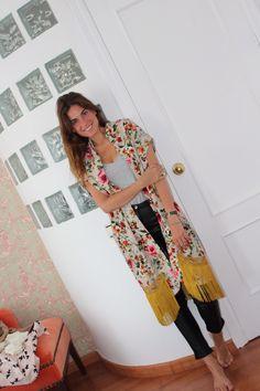 Buenos días a tod@as!!! Encantadora, Lourdes Montes, con camiseta, pantalón y kimono de Ewigem.