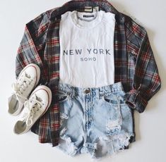 casual clothes converse fashion flannel flannels grunge high waisted shorts new york new york city nyc outfit outfits plaid style tshir Converse Outfits, Indie Outfits, Grunge Outfits, Cute Casual Outfits, Converse Fashion, Casual Clothes, Hipster School Outfits, Diy Clothes, Style Clothes