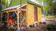 """This Couple Built a """"Shabin"""" To Live The Good Life. #TinyHouseforUs"""