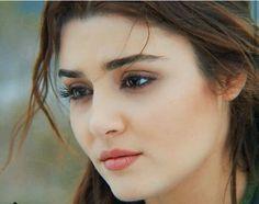 Hayat And Murat, Aqua Eyes, Beautiful Nature Wallpaper, Hande Ercel, Turkish Beauty, Disha Patani, Most Beautiful Indian Actress, Healthy Beauty, Cute Faces
