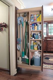 Fabulous pull-out cleaning cabinet