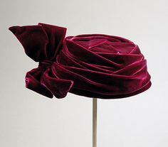 Woman's pillbox hat | Label: I. Magnin & Co. | United States, circa 1961 | Material: silk velvet | Los Angeles County Museum of Art, LACMA