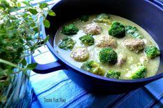 Taste Eat: Pulpety drobiowe w kremie z zielonych warzyw FIT