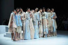 Indonesiassa muotiviikolla on 5 päivän muoti tapahtuma, joka on juhla monipuolinen kulttuuri ja sillä on merkittävä vaikutus muoti ja tyyli Monet ...