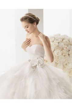 Shopping for stunning wedding dresses uk at cheap price, discover Fullgot's collection of wedding dresses on sale, You will enjoy a great experience and get full here. http://www.fullgot.com/