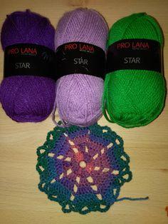 Made by Hany - Ausländerin, dreifache Mama und häkel begeisterte About Me Blog, Winter Hats, Crochet Hats, Posts, Stars, Handarbeit, Knitting Hats, Messages, Sterne