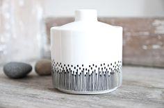 """Geschirr- & Porzellan-Sets - Zuckerdose handbemalt """"somewhat angular"""" - ein Designerstück von Lelena bei DaWanda"""