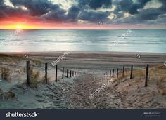 Sand Path To North Sea Beach At Sunset, North Holland, Netherlands Stockfoto 389759617 : Shutterstock
