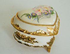 Vintage Porcelain Heart Floral Ring Box Music Box by RackedVintage