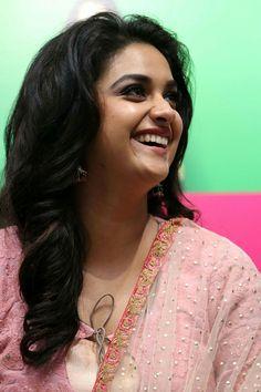 Keerthi Suresh Most Beautiful Indian Actress, Beautiful Actresses, Beautiful Smile, Beautiful Women, Indian Star, South Actress, Traditional Fashion, India Beauty, Indian Actresses