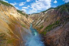 Beautiful Grand Canyon of Yellowstone National Park, US