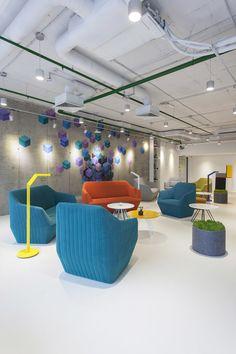 foorni.pl | Biuro Playtech IT, nowoczesne lobby