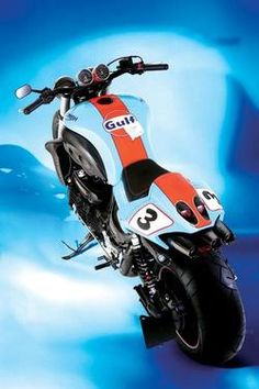 We're pretty sure Gulf paint schemes make everything look awesome! Check out this Triumph RS Rocket III