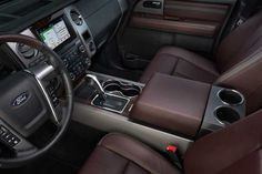 2017 Ford Expedition Platinum Floor Console With Luxury Leather And Woodgrain Communication Cabin