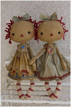 Raggedy Old Annies Primitive Doll Patterns, Primitive Crafts, Doll Toys, Baby Dolls, Tilda Toy, Homemade Dolls, Ann Doll, Fabric Toys, Sewing Dolls