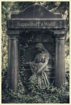Cemetery Monument in Germany , photo  Markus Jurgens