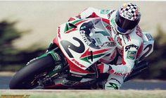 Aaron Slight. Honda RC45. SBK. Motorcycle Racers, Racing Motorcycles, Motorcycle Jacket, Honda Fireblade, Honda Motorbikes, Bike Rider, Super Bikes, Road Racing, Motogp