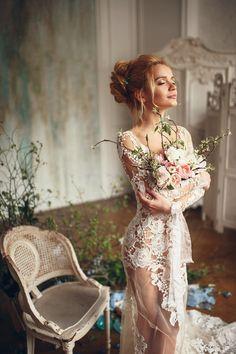 Утро невесты – один из самых важных, нежных и трогательных моментов свадебного дня. Всё вокруг должно быть красивым, светлым и уютным. Будуарная фотосессия – неповторимая и незабываемая. Особая атмосфера чувственности и предвкушения в нашей весенней фотосъемке. Эклектика и свежесть....