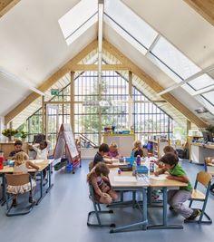 我們看到了。我們是生活@家。: 引入自然光,光線充足的舒適教室!荷蘭建築師Kraaijvanger設計了一個榖倉式的建築為幼兒園