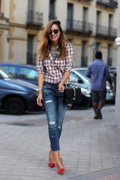 Plaid is one of the patterns that consistently booty the date during the abatement season. There are able means of how to abrasion this pattern, from shirts to pants, skirts to dresses, as able-bodied as accessories, such as scarves. Today, we would like to appearance you several means of how to abrasion checkerboard shirts this …