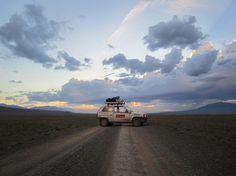 http://www.pe-yo.com/wp-content/uploads/2013/07/mongol-rally-gobi-desert-e1372680454389.jpg
