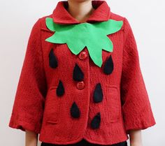 up in the clouds: DIY: strawberry costume