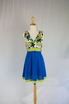 Vintage 1970s Mod Floral and Color Block Nightgown M by madvintage