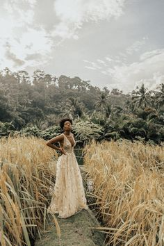 "For our first few days in Bali we had the pleasure of staying at Mandapa, A Ritz Carlton Reserve. A ""Ritz Carlton Reserve"" is unlike an ordinary Ritz Carlton hotel. Style Afro, Portrait Photography, Fashion Photography, Brown Skin Girls, Black Girl Aesthetic, Jolie Photo, How To Pose, Poses, Beautiful Black Women"
