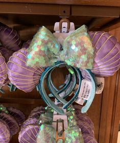 Disney Parks The Little Mermaid Ariel Iridescent Minnie Seashell Ears Headband New release Sold out I have more than one if u need Little Mermaid Minnie Ears, Disney Minnie Mouse Ears, Diy Disney Ears, Disney Hair, Ariel The Little Mermaid, Cute Disney, Disney Ears Headband, Disney Headbands, Mermaid Disney