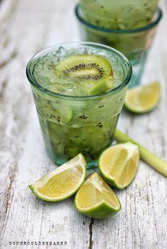 ...Cocktail Friday: Kiwi lemongrass Caipiroska   supergolden bakes