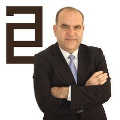 D. Miguel Ángel Martínez Martínez ejerce como Abogado Especialista en Arrendamientos Urbanos, Propiedad Horizontal y Mediación en el municipio de Alicante.