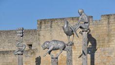 Le parc de sculptures  dans l'enceinte du château. Caen. Basse-Normandie Sculptures, Lion Sculpture, Caen, Drupal, Les Oeuvres, Mount Rushmore, Statue, Paris, Mountains