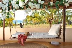 Kaskazi House - Swinging beds by the Kazkazi pool (2/7) | Kizingoni Beach, Lamu Island, Kenya