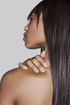 magnesium soothes aches and pains. thats the second time this week i have heard this. Natural Remedies From Alternative Medicine Doctors Massage Tips, Massage Benefits, Self Massage, Massage Techniques, Massage Therapy, Massage Wellness, Massage Envy, Thai Massage, Oil Benefits