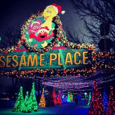 Sesame Place is looking quite festive! Thanks to @_jbean87 for sharing this photo on Instagram.