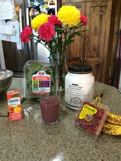 The ingredients I used in the Berry Spinach Vegan Protein Smoothie using the Epicure protein powder.   Http://sandravenneri.epicure.com for more recipes and ordering (directly shipped anywhere in Canada).