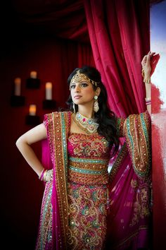 Beautiful Indian wedding dress Keywords: #trinidadandtobagoweddings #inspirationandideasfortrinidadandtobagoweddingplanning #jevel #jevelweddingplanning Follow Us: www.jevelweddingplanning.com www.pinterest.com/jevelwedding/ www.facebook.com/jevelweddingplanning/ https://plus.google.com/u/0/105109573846210973606/ www.twitter.com/jevelwedding/