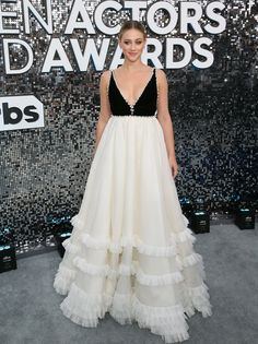 Actress Lili Reinhart arrives for the Annual Screen Actors Guild Awards at the Shrine Auditorium in Los Angeles on January Get premium, high resolution news photos at Getty Images Lili Reinhart, Celine, Dior Gown, Nice Dresses, Formal Dresses, Evening Dresses, Prom Dresses, Beauty And Fashion, Sag Awards