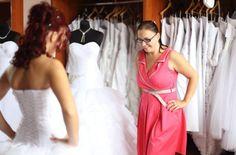 Doloresz mint gyönyörű Eleonor menyasszony  www.eleonorszalon.hu