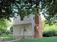 "Here Andrew Johnson was born in 1808. His mother was a weaver and his father a hostler (stableman) at the inn. This unassuming wood, 2-story former inn kitchen measures 19'3"" x 14'3"" and is 24'9"" in height."