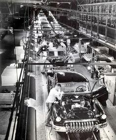 1950 Buick assembly line