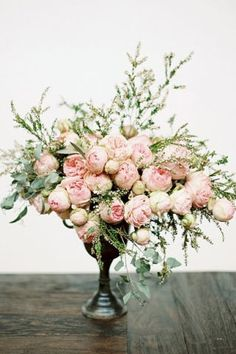 These are the bouquets and centerpiecesyou're going to want to addto your secret wedding board.