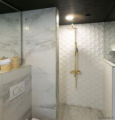 Asuntomessujen 2020 saunanostot ja saunatrendit – Saunologia.fi Sconces, Wall Lights, Vanity, Bathroom, Lighting, Interior, Home Decor, Bath, Dressing Tables