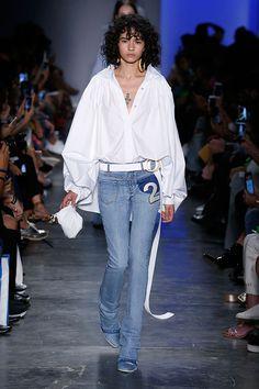 A Two Denim começou como uma marca especializada em jeanswear, como o próprio nome já diz.