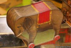 Elephant tin