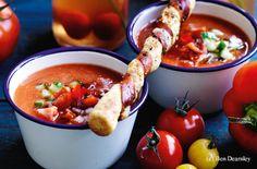 Bloody Mary Gazpacho mit Prosciuttostangerl