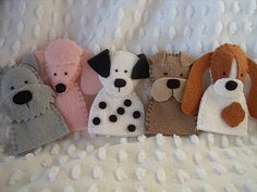 Felt Puppy Finger Puppets - great for storytelling to kids Felt Puppets, Felt Finger Puppets, Felt Crafts, Crafts To Make, Crafts For Kids, Finger Puppet Patterns, Craft Projects, Sewing Projects, Felt Projects