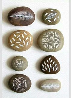Diy Stone Crafts, Rock Crafts, Diy And Crafts, Crafts For Kids, Arts And Crafts, Pebble Painting, Pebble Art, Stone Painting, Rock Painting