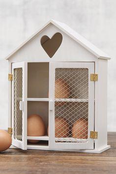 Store eggs