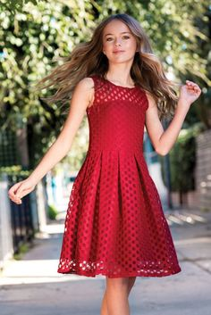 Russian model and actress Kristina Pimenova Height Weight Body Measurements Stats Age Facts Biography along with her ethnicity, hair eye color, bra cup, shoe size and family wiki are listed. Kristina Pimenova, Little Girl Models, Child Models, The Most Beautiful Girl, Beautiful Children, Preteen Girls Fashion, Girl Fashion, Tween Mode, Kids Outfits